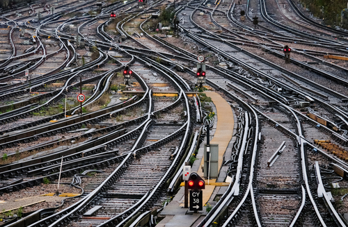 Railway industry urges electrification