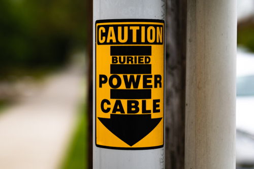 Warning against cable injuries