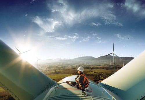 Report highlights green energy disparities in UK